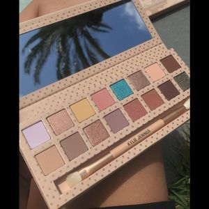 Kyliecosmetics take me on vacation palette